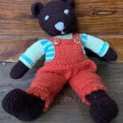 Buy Hand Knitted Soft Toy Teddy Bear Online India - The Village Naturals