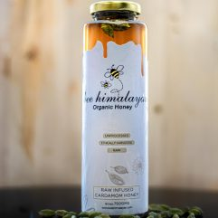 Buy Organic Cardamom Infused Honey Online India - The Village Naturals